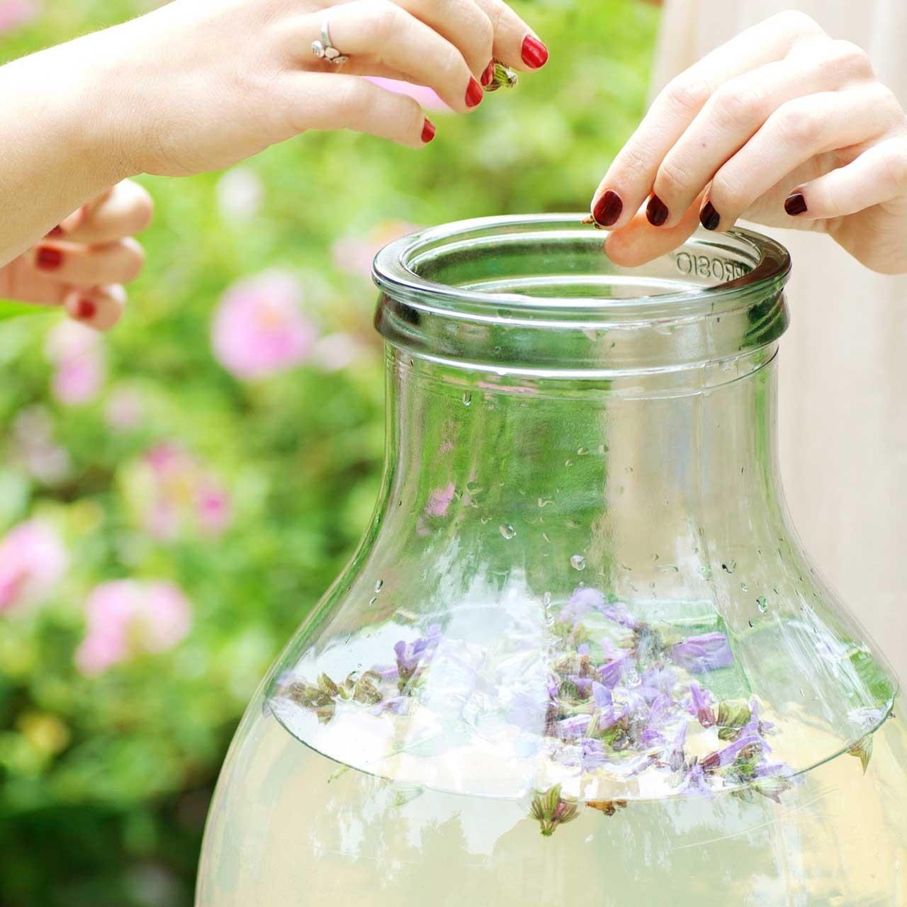 Parce que lancée dès 1994, Douces Angevines est une véritable marque pionnière des cosmétiques biologiques.